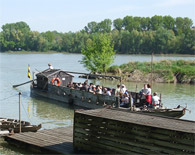 Orth an der Donau - Sightseeing Cruise on the Tschaike Boat Board