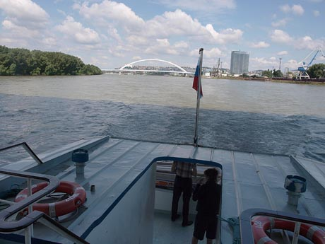 To the Danubiana Museum by boat