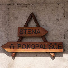 Direction sign in Osp, Slovenia
