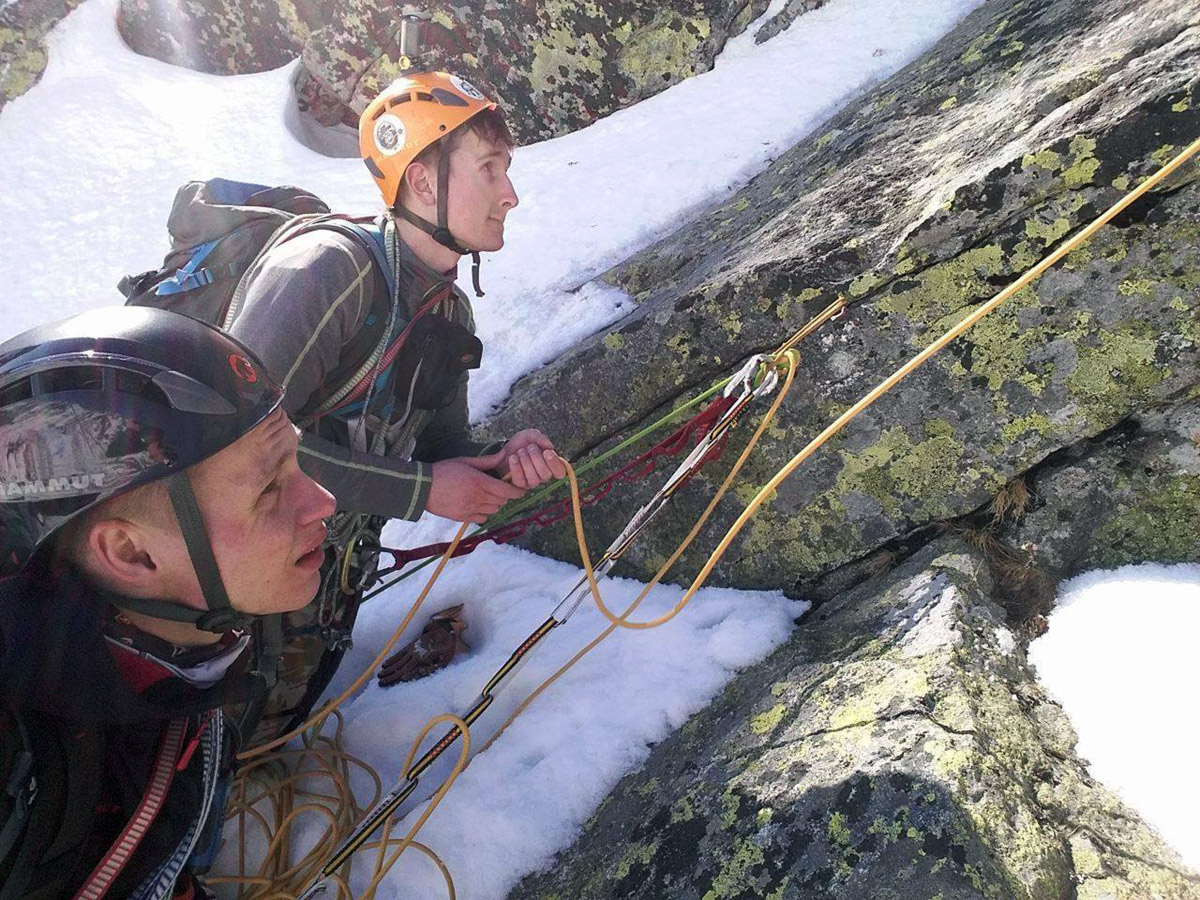 Passionate climbing 29: Do not keep our rope